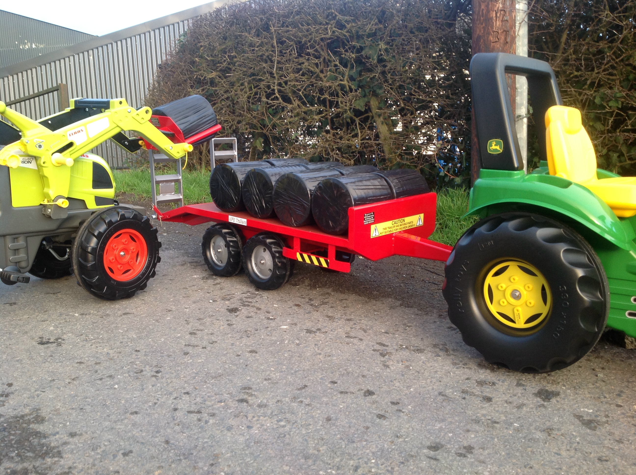 Metal Pedal Tractor Loader : Metal toy riding tractors wow